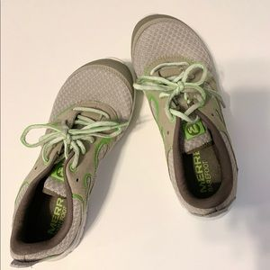 "merrel running shoes ""barefoot"""